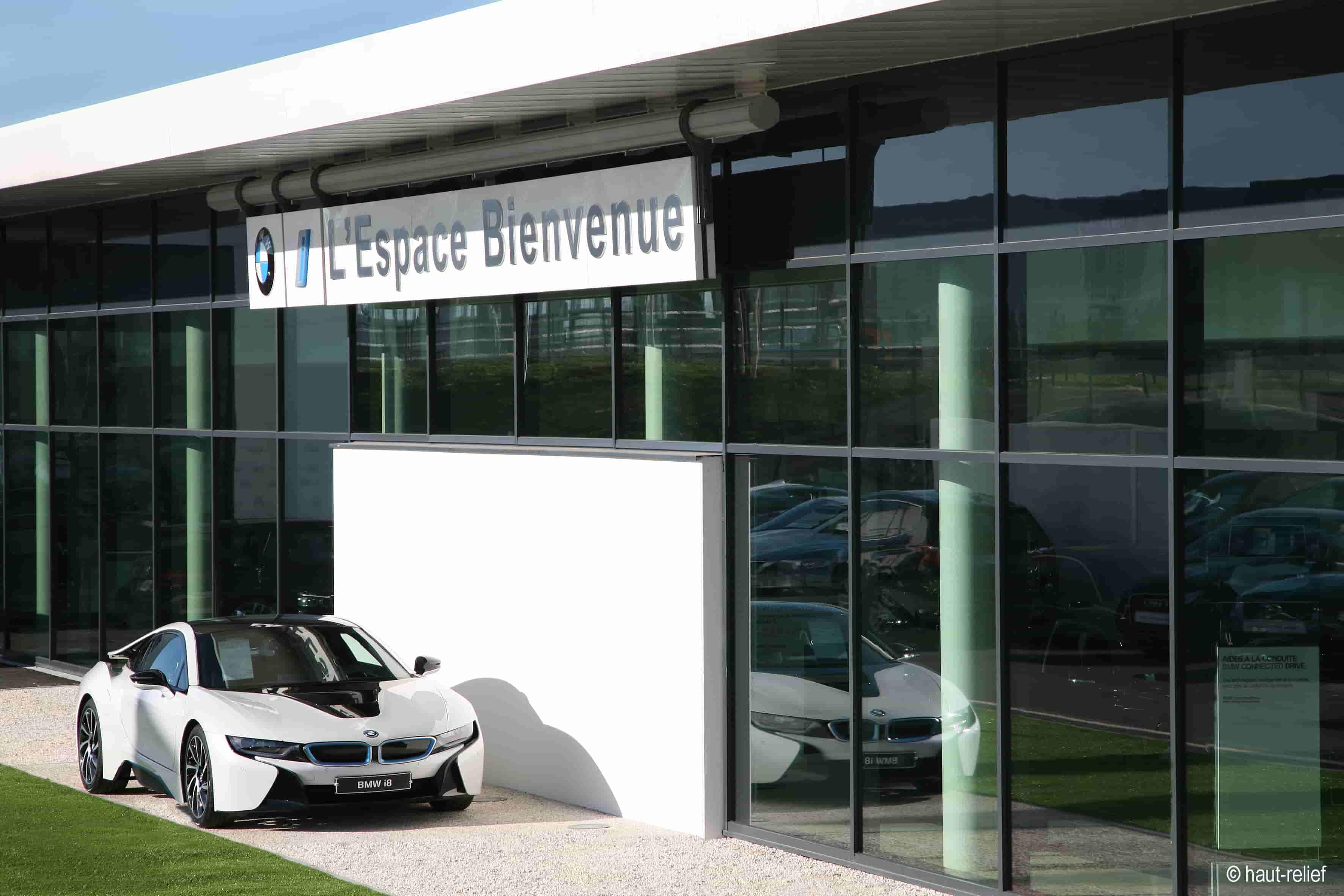 Photographie d'entreprise concession automobile BMW - Espace Bienvenue